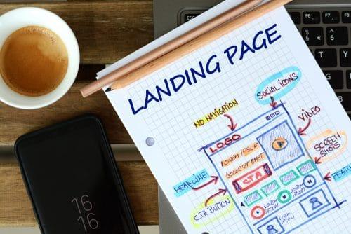 representation papier d'une landing page sur un carnet