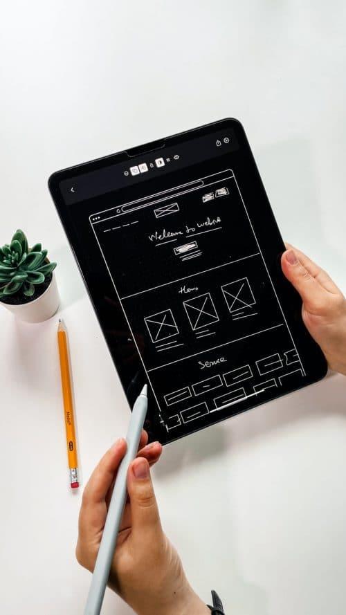 dessiner la maquette d'un prototype web en prenant soin de l'interface utilisateur (ui) et de l'expérience utilisateur (ux)